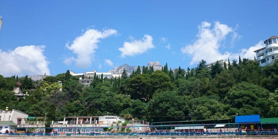 Вид на отель Багатель